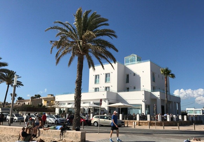 Neu direkt am Meer in Palma – die Beach Lounge & Restaurant Villadelmar