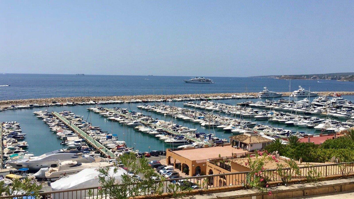 Alles neu im Hafen von Puerto Portals