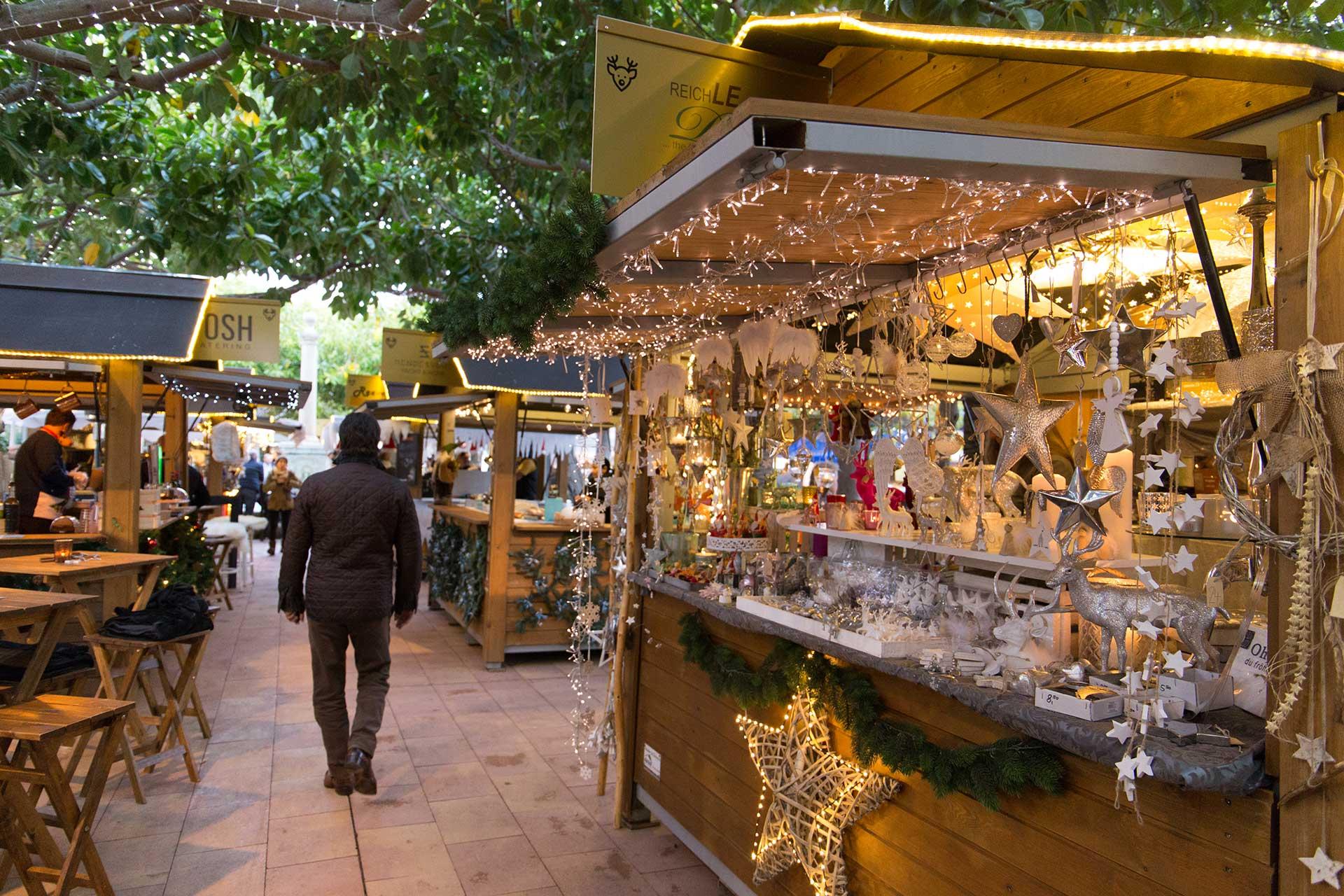 Weihnachtsmarkt im edlen Yachthafen von Puerto Portals